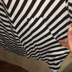 Dresses - Casual flirty black & white striped hoodie dress